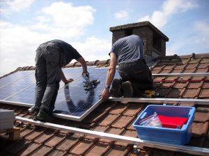 Zonnepanelen aanleggen door professionals